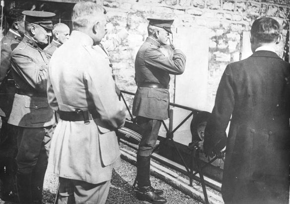 General John Pershing paying tribute at Lafayette's grave in Paris